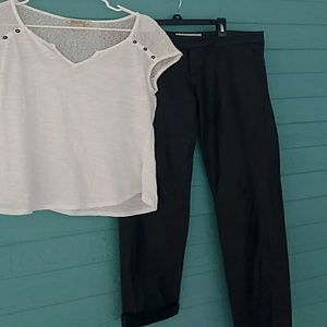 Black leather skinnys and white t shirt!!!